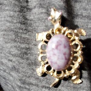 Jewelry - Turtle brooch/pendent